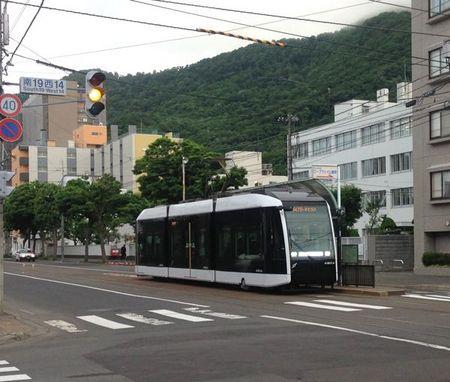 IMG_0699 札幌市 新型 路面電車.jpg