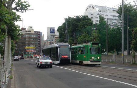 IMG_0700 札幌市 新型 路面電車.jpg